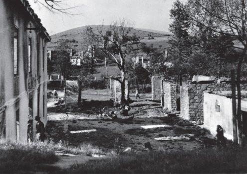 Kaple pro nacisty vypálenou obec Ležáky